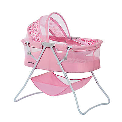 Dream on Me Karly Bassinet in Pink