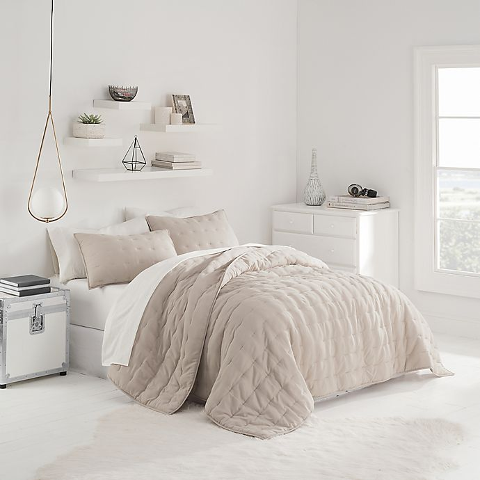 Alternate image 1 for UGG® Sunwashed Quilt Set