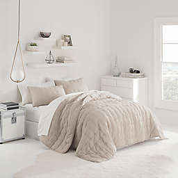 UGG® Sunwashed Quilt Set