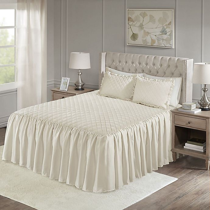 Alternate image 1 for Madison Park Roxanne Velvet Queen Bedspread Set in Ivory
