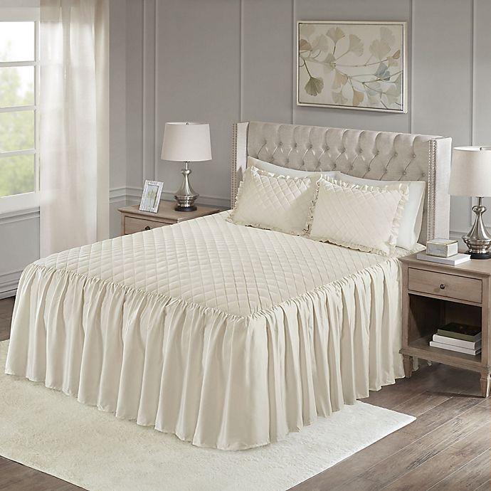Alternate image 1 for Madison Park Roxanne Velvet Bedspread Set