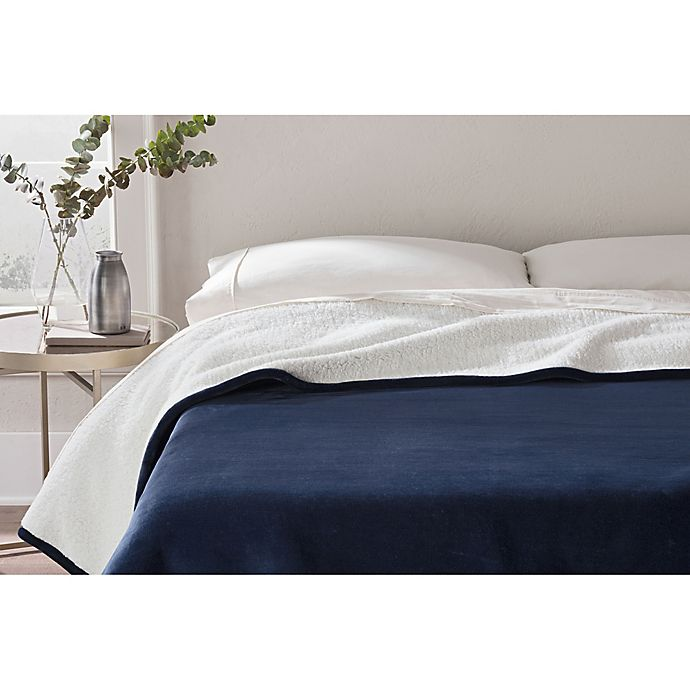Alternate image 1 for UGG® Avalon Full/Queen Blanket in Navy