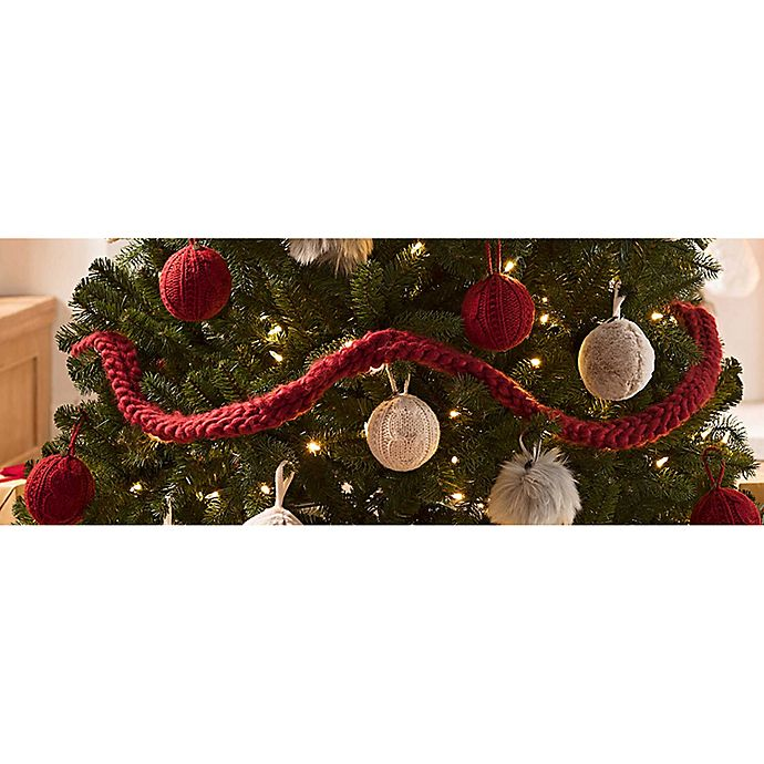 Ugg 174 Classic Cable Knit Holiday Garland In Redwood Bed