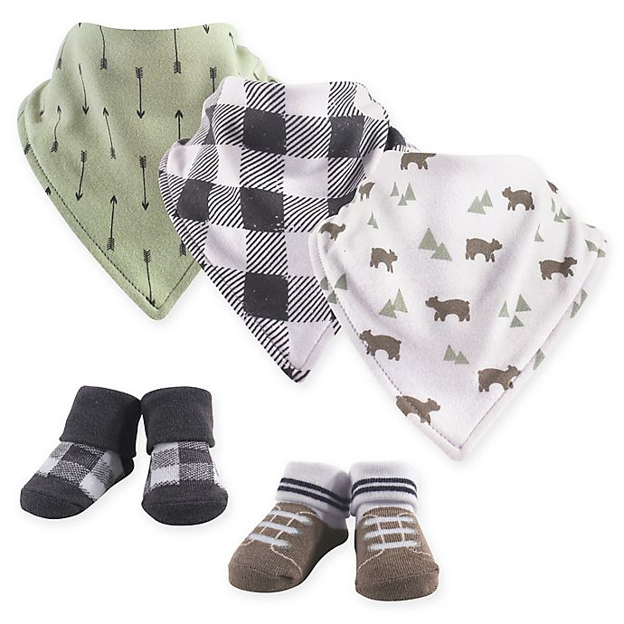 Alternate image 1 for Yoga Sprout 5-Piece Bear Bandana Bib and Socks Set in Green