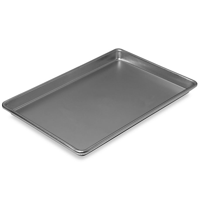 Alternate image 1 for Chicago Metallic™ 14-3/4-Inch x 9-3/4-Inch Jelly Roll Pan