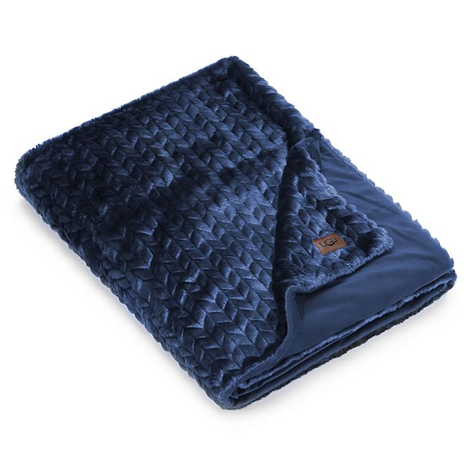 Ugg 174 Camilla Reversible Throw Bed Bath And Beyond Canada