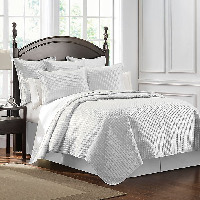 Alternate image 1 for Waterford® Crystal King Quilt in Pearl