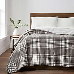 UGG® Avalon Sherpa Twin Throw Blanket in Charcoal Plaid
