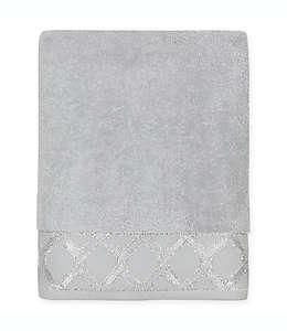Toalla de medio baño Croscill® Gwynn en plata