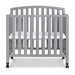 DaVinci Dylan 3-in-1 Convertible Mini Crib
