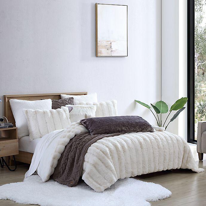 Alternate image 1 for UGG® Landers Faux Fur 3-Piece Comforter Set