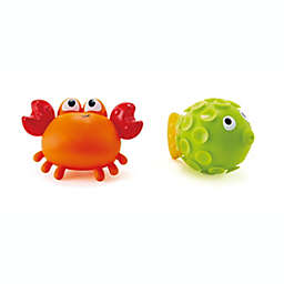 Hape 2-Piece Rock Pool Squirter Bath Toy Set in Red/Green