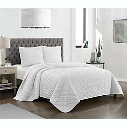 Berta 3-Piece Reversible Full/Queen Quilt Set in White