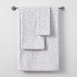 Wamsutta® Montville Bath Towel in Grey/Violet