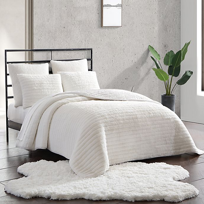Alternate image 1 for UGG® Quincy 3-Piece Reversible Full/Queen Quilt Set in Snow
