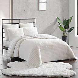 UGG® Quincy 2-Piece Reversible Twin Quilt Set in Snow