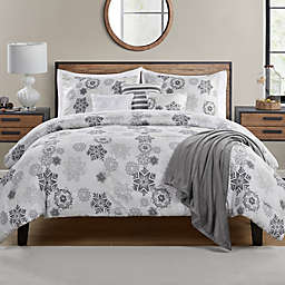 Snowflakes Stencil 7-Piece Reversible Full/Queen Comforter Set in White/Grey