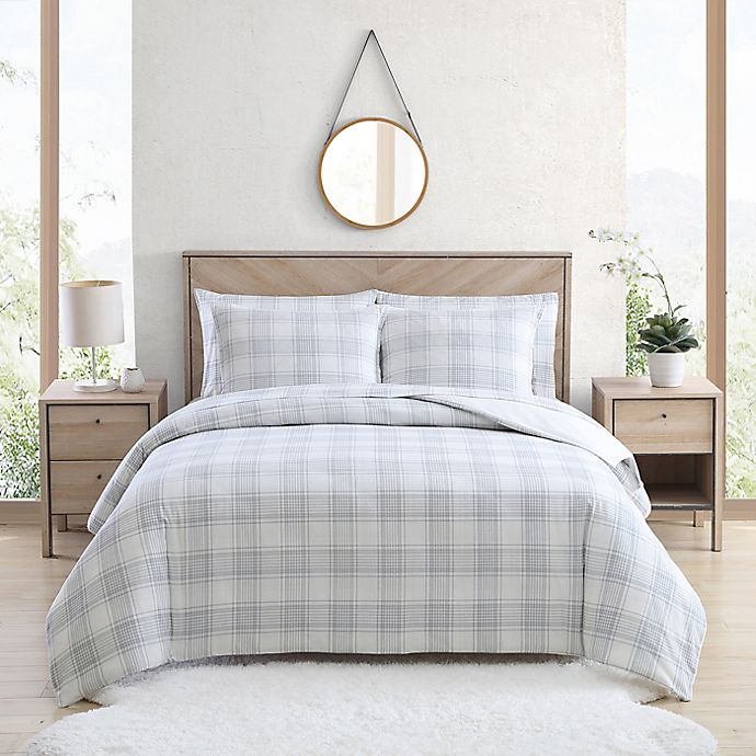 Alternate image 1 for UGG® Juvie 3-Piece Full/Queen Flannel Duvet Cover Set in Grey Plaid
