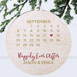 """3.75-Inch """"A Date To Remember"""" Personalized Wooden Christmas Ornament in White"""