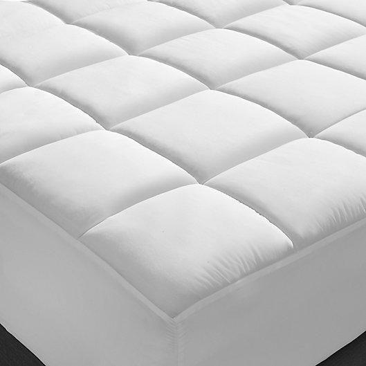 Alternate image 1 for Wamsutta® Dream Zone® 825-Thread-Count Queen Mattress Pad