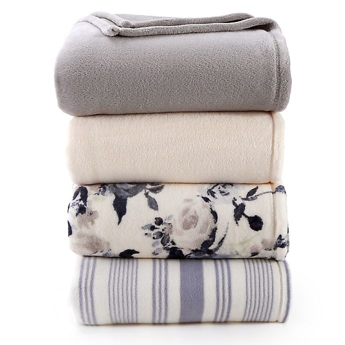 Alternate image 1 for Bee & Willow™ Home Plush Blanket