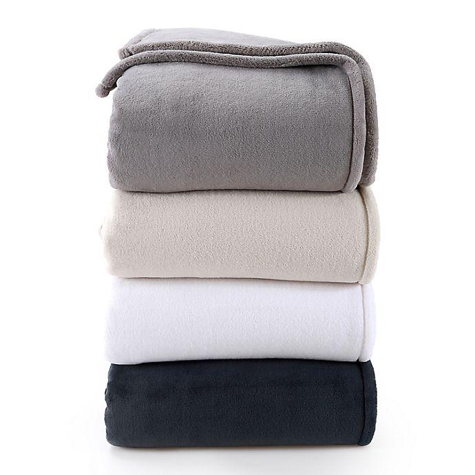 Alternate image 1 for Nestwell™ Supreme Softness Plush Blanket
