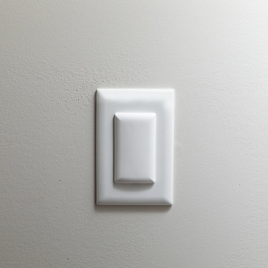 Alternate image 1 for Qdos™ 6-Pack StayPut Double Outlet Plugs in White