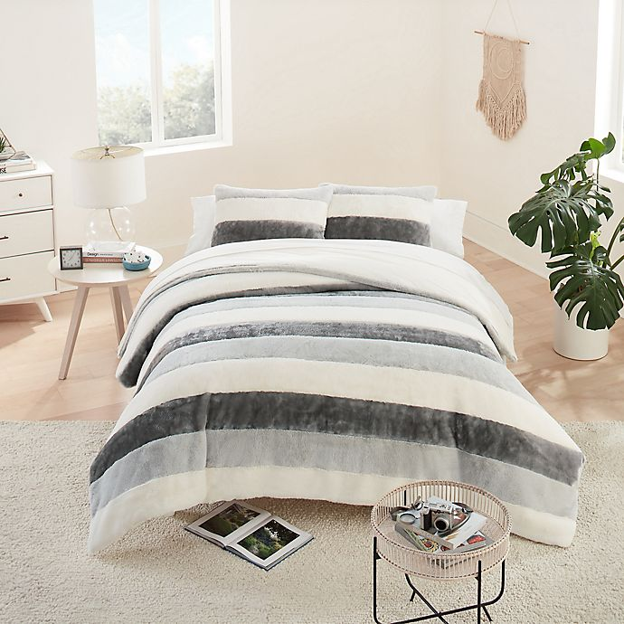 Alternate image 1 for UGG® Grayson Striped 2-Piece Twin/Twin XL Duvet Cover Set in Seal Grey