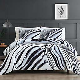 Vince Camuto® Muse 3-Piece King Duvet Set in White/Black