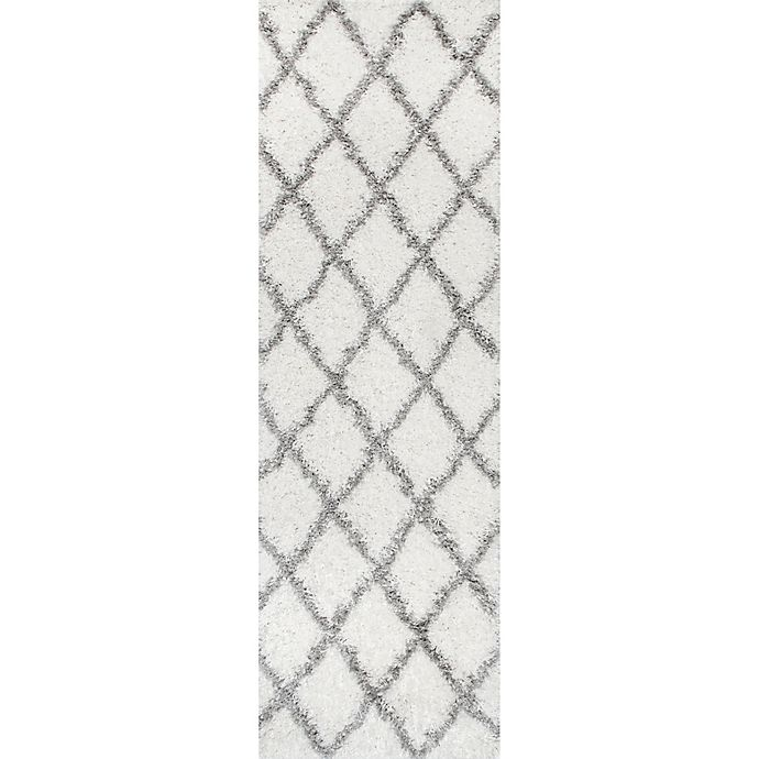 Alternate image 1 for nuLOOM Shanna Shaggy 2-Foot 8-Inch x 8-Foot Runner in White