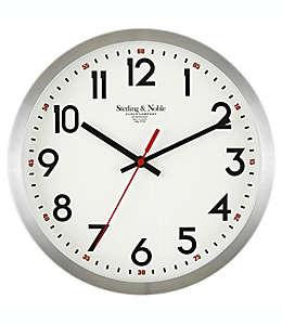 Reloj de pared de metal Sterling & Noble® color plata