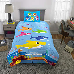 Baby Shark 2-Piece Reversible Twin/Full Comforter Set