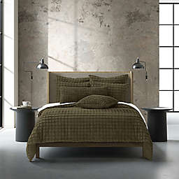 Oscar/Oliver Cameron 2-Piece Reversible Twin/Twin XL Duvet Cover Set in Olive