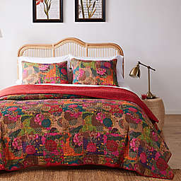 Jewel Reversible King Quilt Set in Red