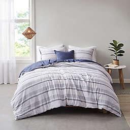 Clean Spaces Oakley Organic Cotton 5-Piece King/California King Comforter Cover Set in Indigo/White