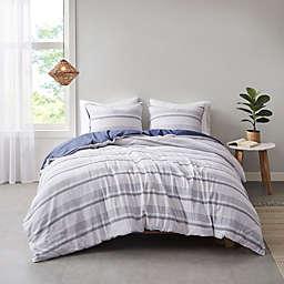 Clean Spaces Oakley Organic Cotton 3-Piece King/California King Duvet Cover Set in Indigo/White