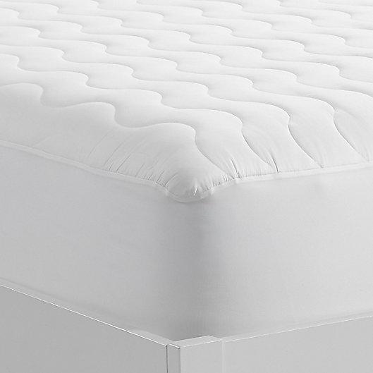 Alternate image 1 for Serta® Basic Comfort Air Dry Queen Mattress Pad