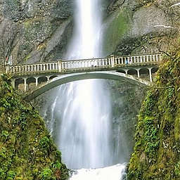Portland Hike the Columbia Gorge Waterfalls by Spur Experiences®