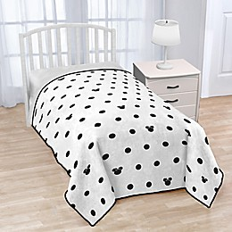 Disney® Minnie Mouse Icon and Dots Twin Blanket in White/Black