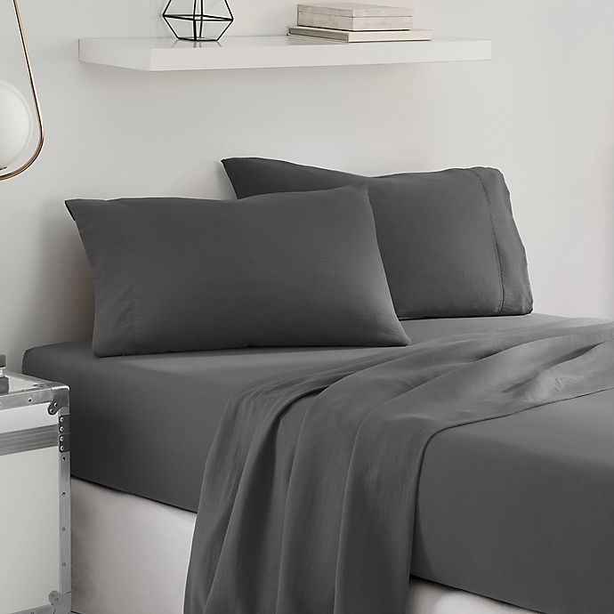 Alternate image 1 for UGG® Sunwashed Twin XL Sheet Set in Charcoal