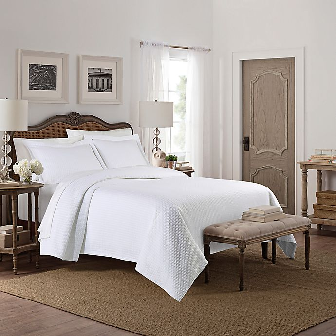 Alternate image 1 for Camelia Patterned Full/Queen Coverlet in White