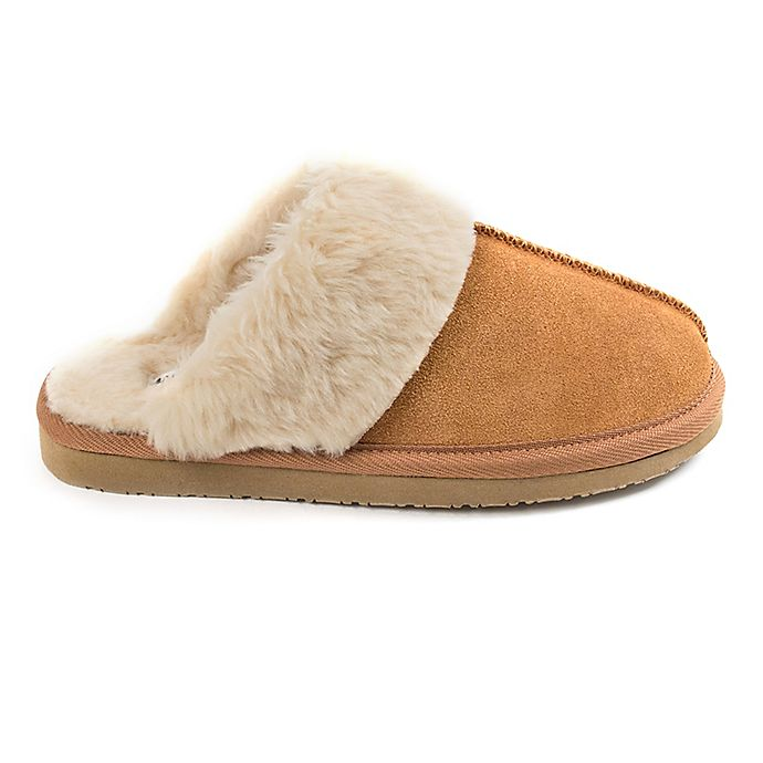 4b9c224530ebd Minnetonka® Chesney Women s Slippers