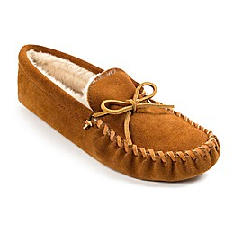 Minnetonka® Men's Pile-Lined Soft Sole Slippers in Brown