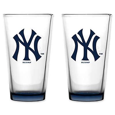 MLB New York Yankees Embossed Pint Glasses (Set of 2)