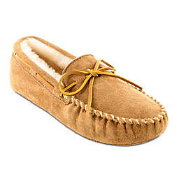 Minnetonka® Sheepskin Softsole Men's Moccasin in Golden Tan
