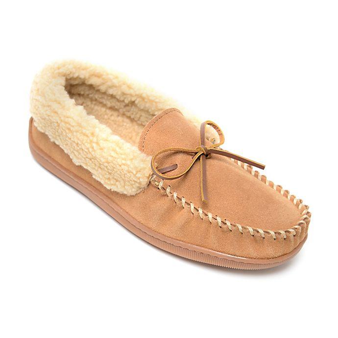 Alternate image 1 for Minnetonka® Allen Men's Slippers