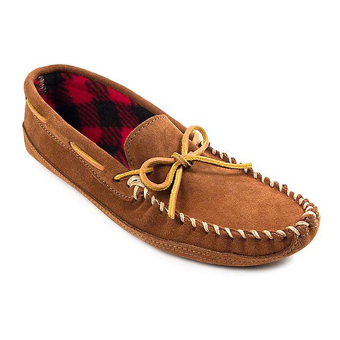 Alternate image 1 for Minnetonka® Double Bottom Fleece Men's Slipper in Brown