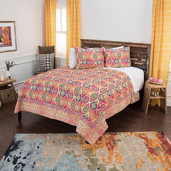 Alternate image 1 for Rizzy Home Serendipity Queen Quilt Set in Pink/White