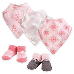 Yoga Sprout 5-Piece Teepee Bib & Sock Set in Pink