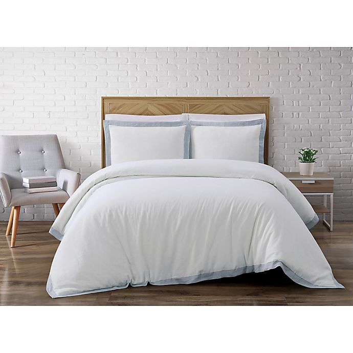 Alternate image 1 for Brooklyn Loom Wilson Reversible Full/Queen Duvet Cover Set in White